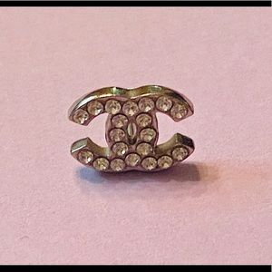 Authentic single Chanel (cc) stud earring